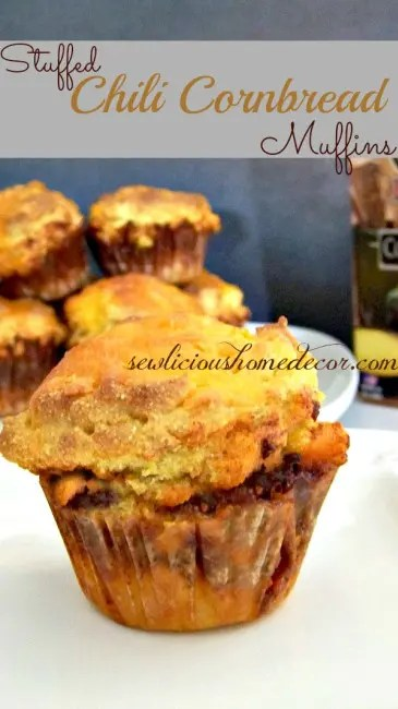 Stuffed-Chili-Cornbread-Muffins