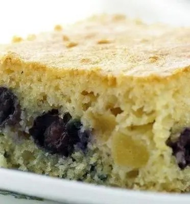 yogurt_blueberry_peach_coffee_cake
