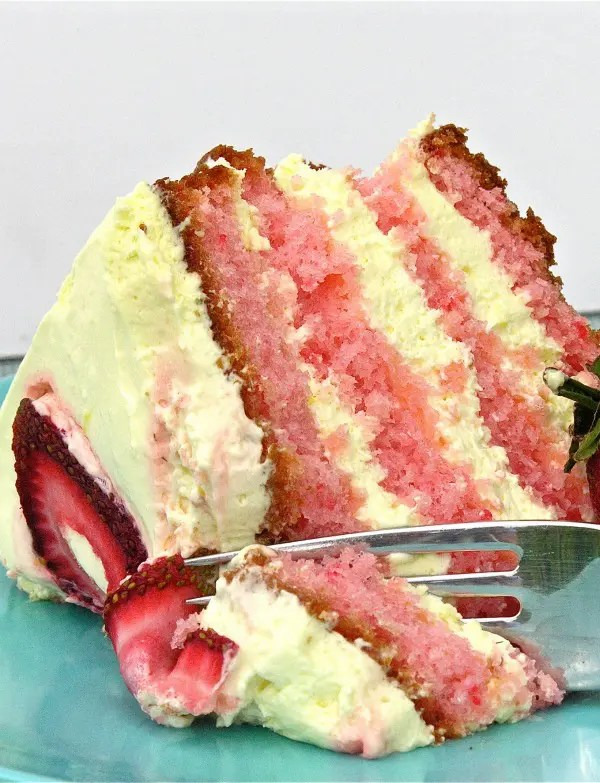 strawberry_lemonade_cake