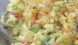 Good Old Fashion Potato Salad - This is the type of potato salad that grandmas the world over are known for making.