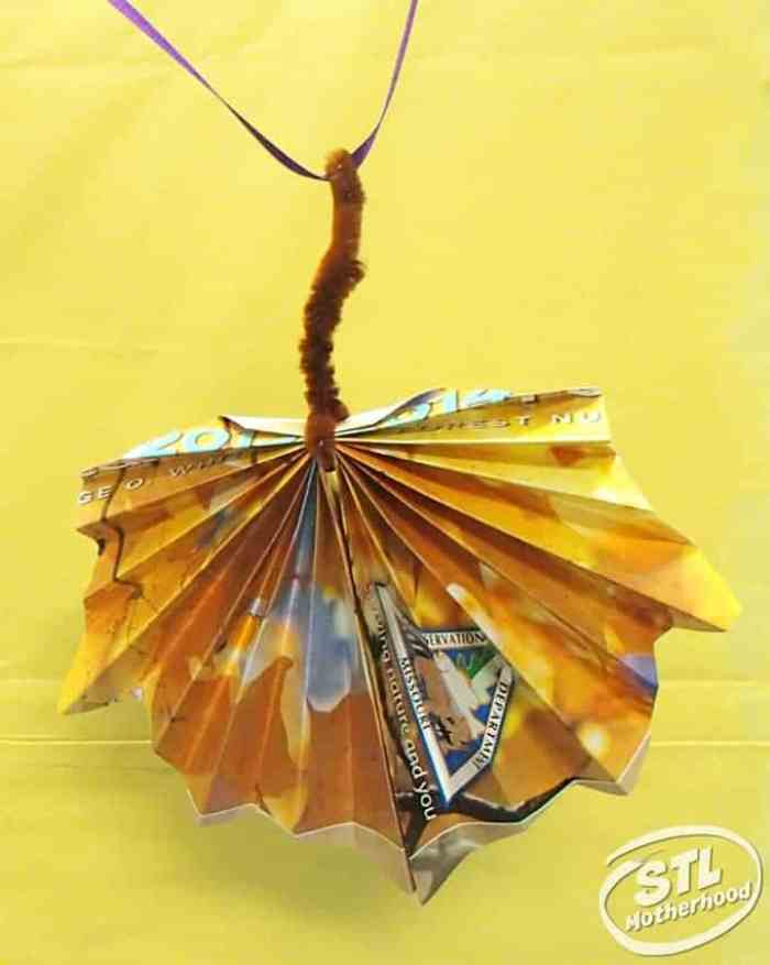 make a paper leaf from recycled magazines