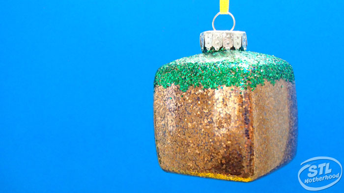 Minecraft Christmas ornament craft by stlMotherhood