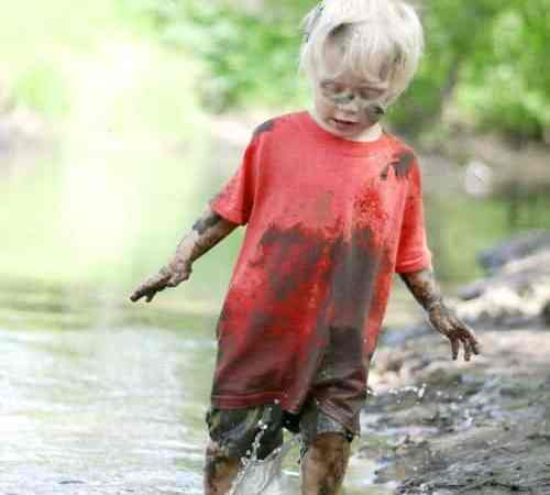 10 Messy Fun Ways to Play Outside