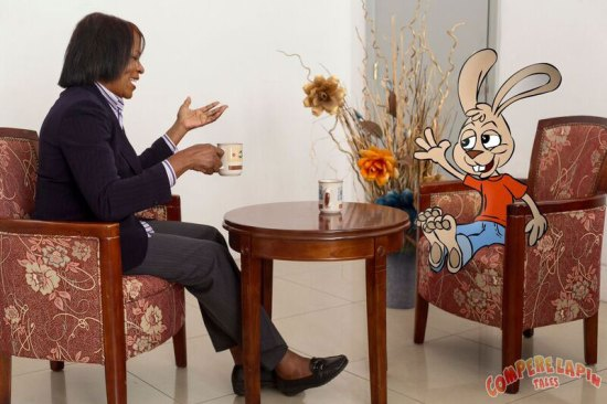 Jacintha Lee enjoying tea and conversation with Compere Lapin.