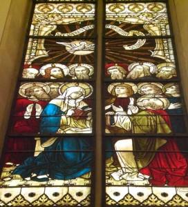 Der Geist kommt auf die versammelten Jünger und Maria herab