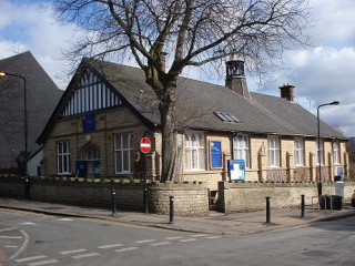 Exterior photo of the Broomhall Centre on Broomspring Lane