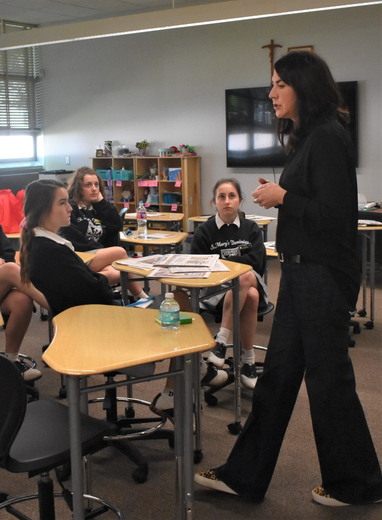 Advocating for the Future – Mrs. Martha Carr ('87) shares her journalistic point of view as she talks to students about life as a managing editor for the New Orleans Advocate at Career Day on Mar. 27. Mrs. Carr spoke to the next generations of innovators and gave students a look into their potential futures.