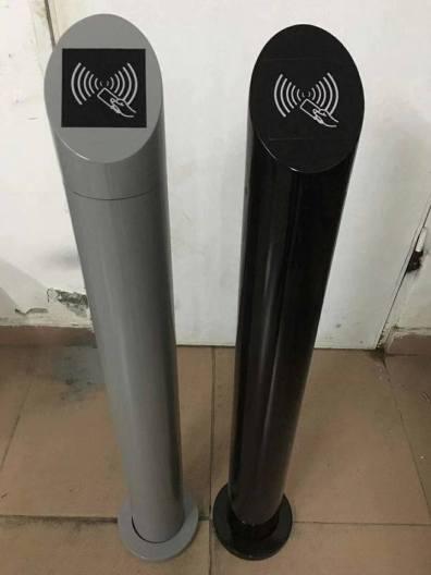עמוד נירוסטה משולב קורא קירבה למעלית בצבע שחור או כסוף