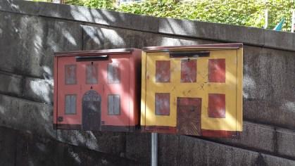 стильные почтовые ящики в старом городе стокгольм