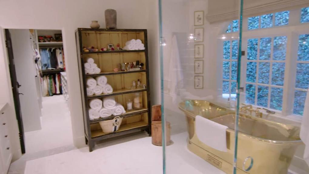 Kendall Jenner Home - Bathroom