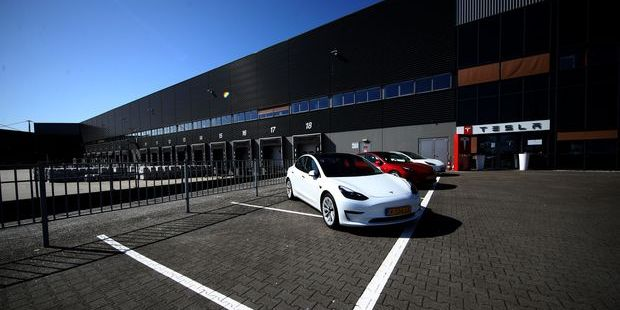 Tesla Stock Is Falling Again Today. Market Share Is the Latest Issue.
