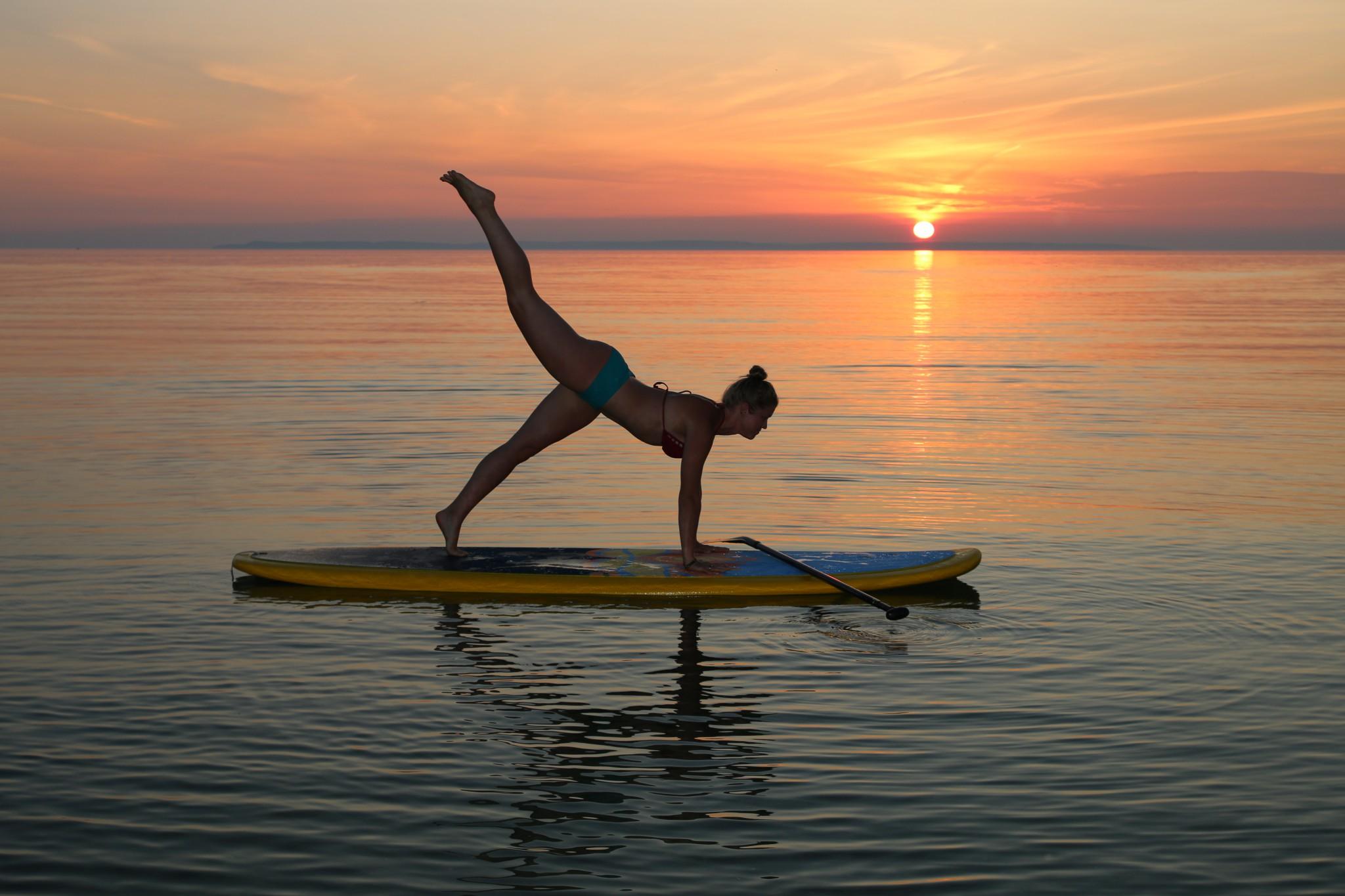 ผลการค้นหารูปภาพสำหรับ SUP Yoga