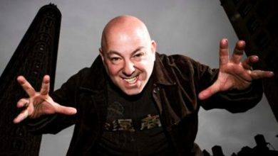 Photo of Brian Michael Bendis Leaves Marvel for Dc