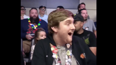 Photo of Watch Mark Hamill Surprise Fans on Star Tours