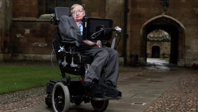 Photo of Stephen Hawking Dies at 76