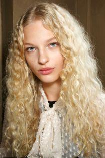 hbz-ss2016-beauty-trends-natural-texture-mccartney-bks-a-rs16-3576