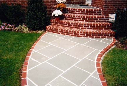 how are pavers kept