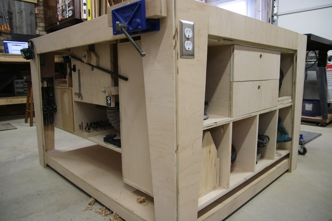Table Saw Outfeed Assembly Table