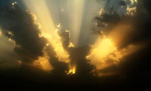 ray_of_light_through_clouds