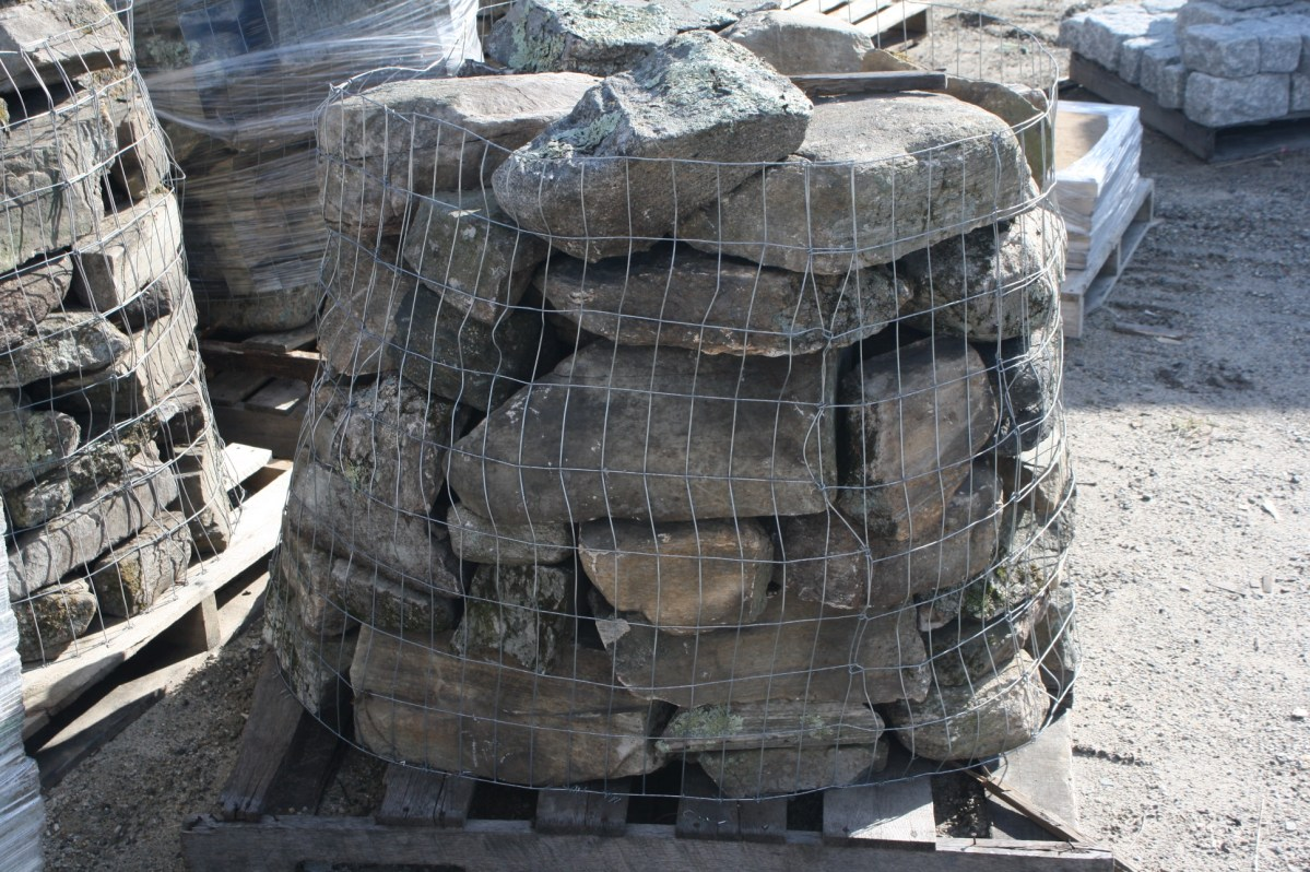New England Fieldstone by the Pallet