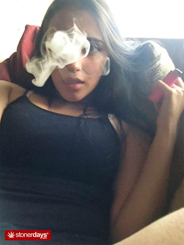 Sexy Morning Stoners  Stoner Pictures  Sexy Girls Smoking