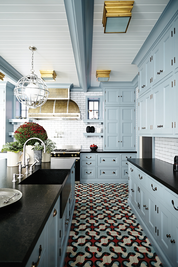 Pairing Dark Countertops With Light Cabinets For A Contemporary Style