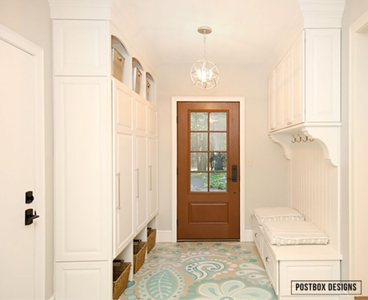 Large mudroom