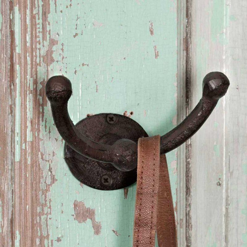 rustic hook mudroom