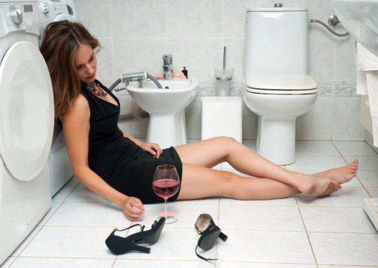 Перепил алкоголь рвота что делать