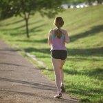 健康長寿を目指す!運動量と病気予防の関係。活動量計を使ってみた!