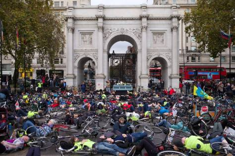 Die-in at Marble Arch, part of the National Funeral for the Unknown Victim of Traffic Violence organised by the Stop The Killing coalition (Photo by Brendan Delaney, used with permission, click to see larger version)