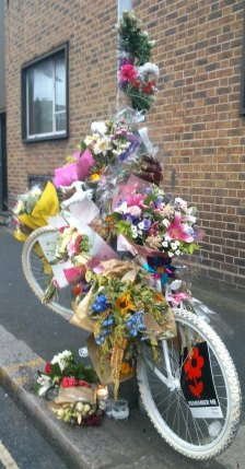 Ghost Bike for Esther Hartsilver in Camberwell where she fell (Photo ©Nicola Branch)