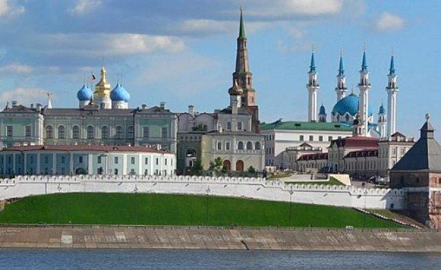 PHOTOLISTE_20111108171515_russie_kazan_kremlin_rec_500_