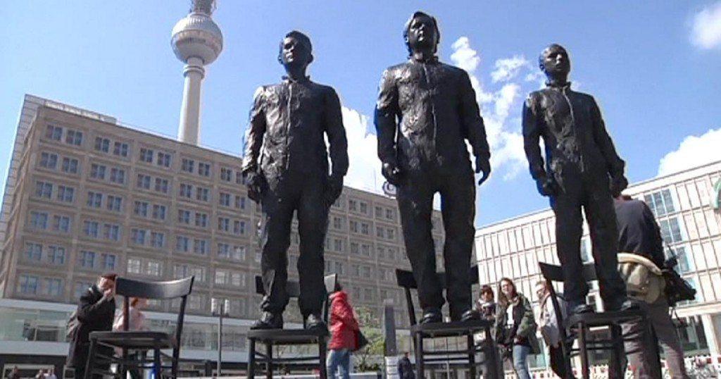 1200x630_305239_snowden-assange-and-manning-statue