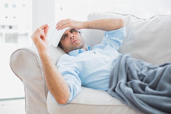 Простуда без температуры — как лечить: медикаментозные препараты, антибиотики и народные рецепты. Особенности лечения простуды без температуры