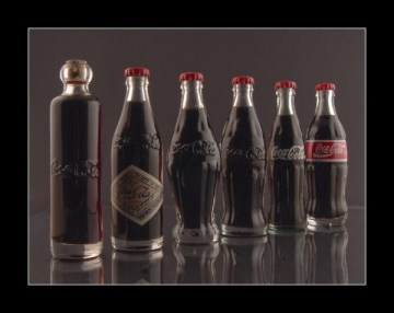 the-history-of-coke-bottles-3899-1258300567-4