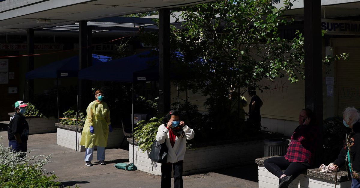 Sydney's unvaccinated warned of social isolation when COVID-19 lockdown ends