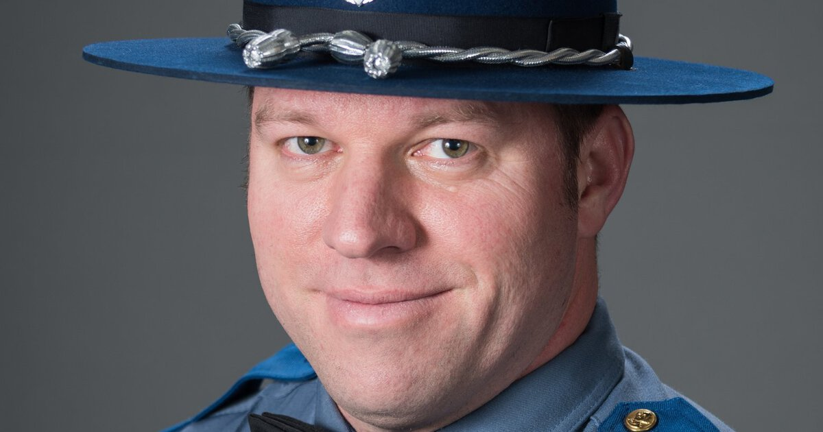 Washington State trooper who died of COVID hadn't been vaccinated yet, family says