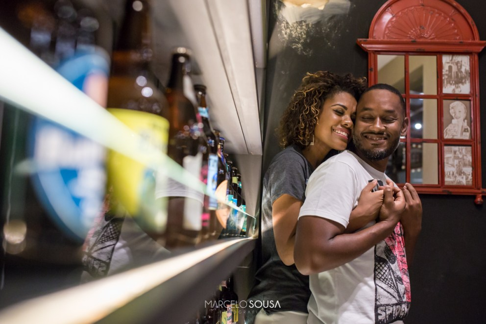 casal no bar calles em Aracaju cerveja artesanal
