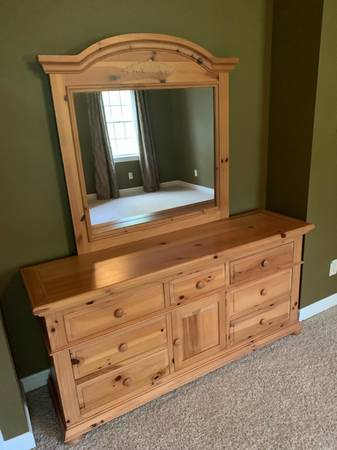 4 Piece Broyhill Fontana Bedroom Suit 700 Wake Forest Furniture For Sale Wilmington Nc Shoppok