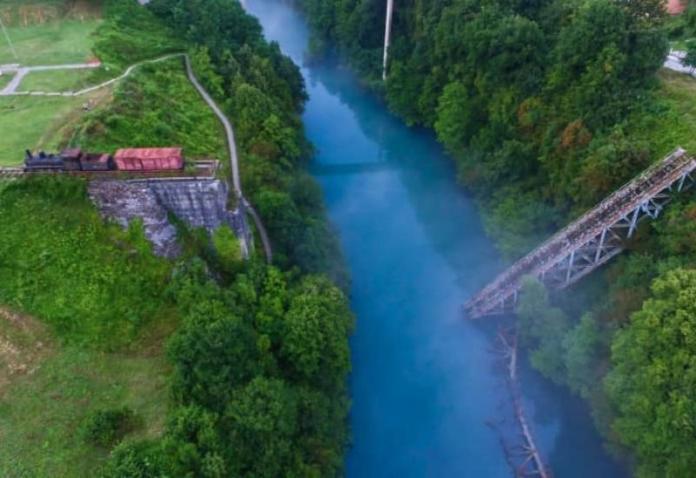 Izvađen posljednji dio mosta Bitke na Neretvi - Izvađen posljednji dio mosta Bitka na Neretvi