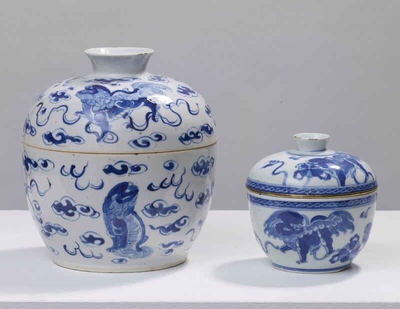 Deux pots couverts à décor de qilin, Vietnam, dynastie des Nguyễn, 19°siècle