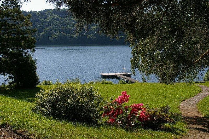 Le lac depuis la berge
