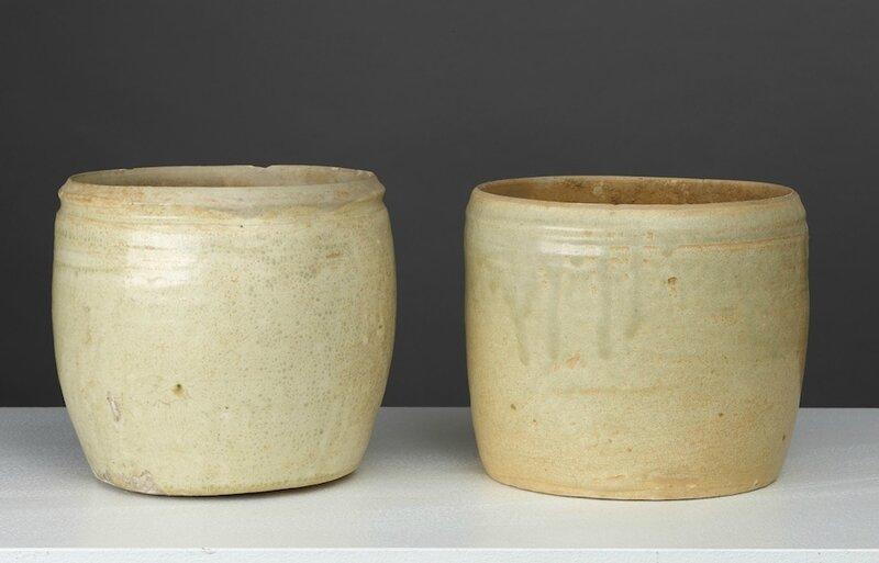 Lot composé de deux jarres cylindriques, Vietnam, Dynastie des Lý, 11°-13° siècle