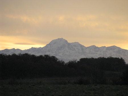 47367244 p Le Pic du midi, la Campagne du Gers, Arrouède en hiver