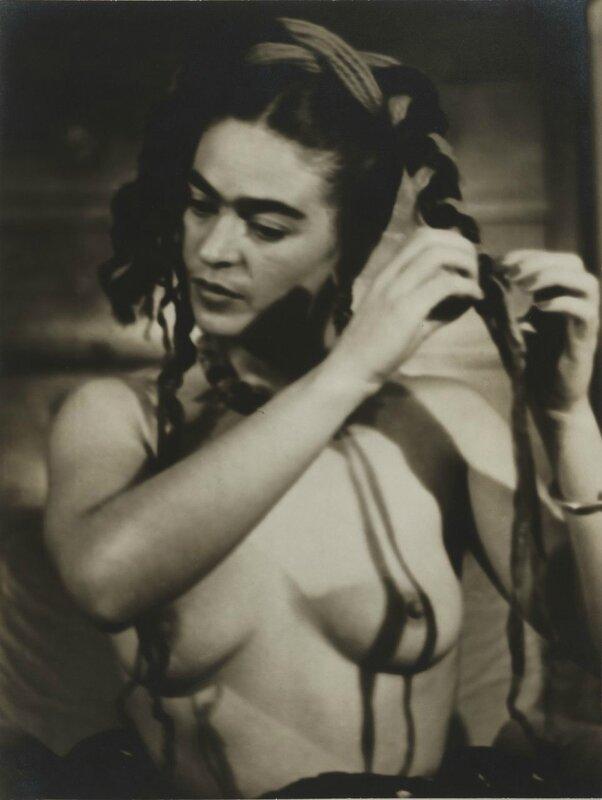 julien-levyfrida-kahlo-circa-1938