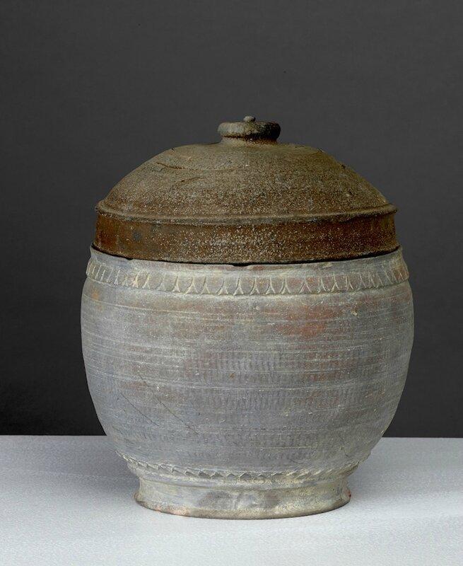 Pot, Vietnam, dynastie des Trần-Lê, 14°-16°siècle