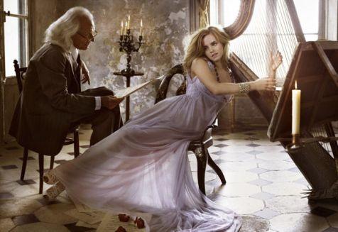 Emma_Watson_Photoshoot_042_Vogue_Italia_Mark_Seliger_2008_anichu90_16860224_600_413