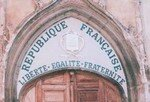 250px_Liberte_egalite_fraternite_tympan_eglise_saint_pancrace_aups_var