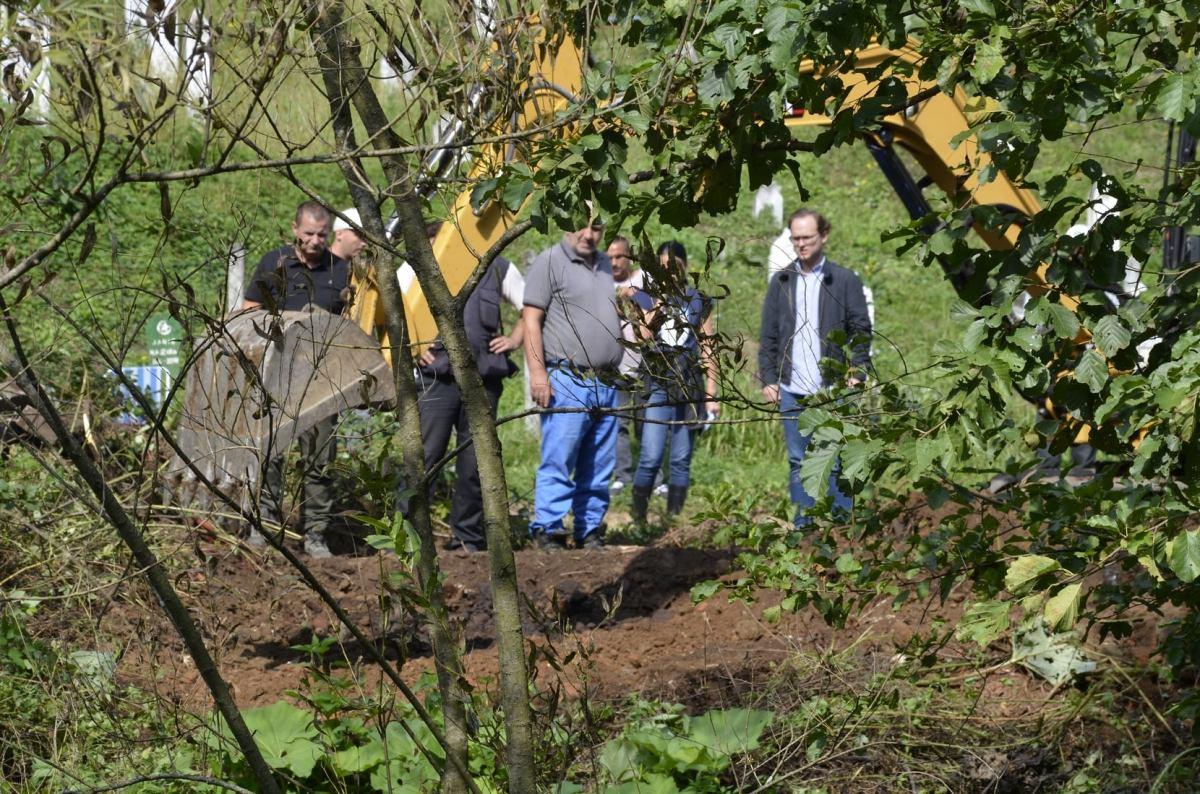 - U naselju Kazani u Srebrenici otkrivena grobnica iz koje su ekshumirana tijela najmanje dvije osobe